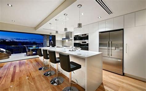 casa de lux cu centura de piatra verticala fresh home