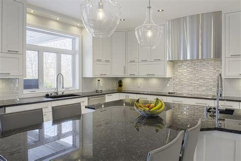 meuble cuisine à rideau coulissant cuisine meuble cuisine rideau coulissant avec gris