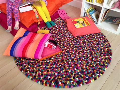 tapis pour chambre fille tapis chambre bb fille chambre bebe garcon peinture tapis