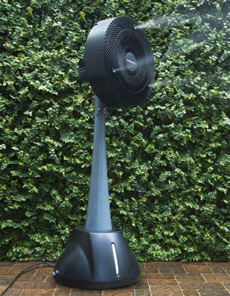 Portable Patio Misting Fans by Portable Hoseless Misting Fan Dudeiwantthat