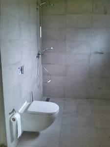 Bodenfliesen Für Badezimmer : badezimmer wand bodenfliesen dusche wc vorbereitung f r die wandleuchten stand der ~ Sanjose-hotels-ca.com Haus und Dekorationen