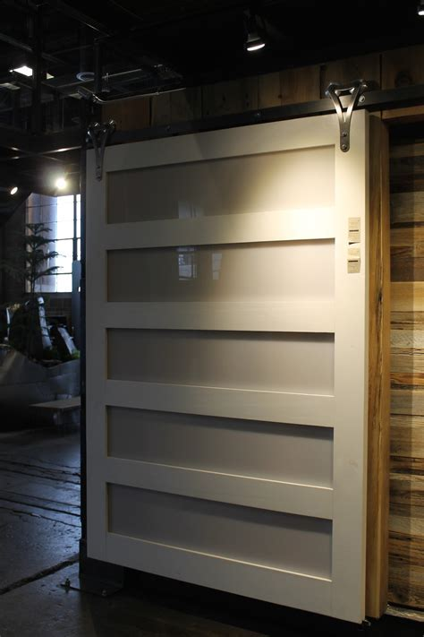 Sliding Barn Doors   ECustomFinishes