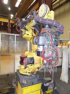 Robots Fanuc R2000ia 210f With Servocontrolled Spotwelding Gun On A 7th Axis Linear Track