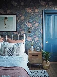 Papier Peint Chambre À Coucher : papier peint dans la chambre coucher comment bien l 39 utiliser en d co chambres d 39 enfants ~ Nature-et-papiers.com Idées de Décoration