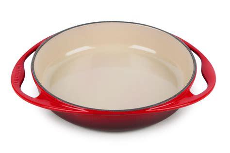 le creuset cast iron tarte tatin pan  cherry red cutlery