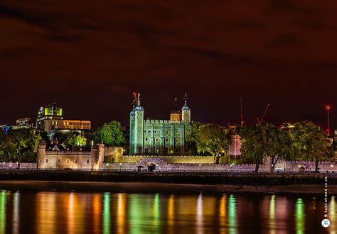 night photography  long exposure  tower bridge  london