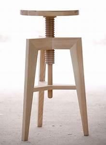 Tabouret A Vis : tabouret design en bois massif par mint ~ Teatrodelosmanantiales.com Idées de Décoration