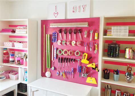 organizing your craft room on a budget vintage paint como decorar e organizar um ateliê em casa casinha arrumada