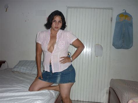 Sexy Indian Aunty Removing Bra Photos HD Sex Pics Collection