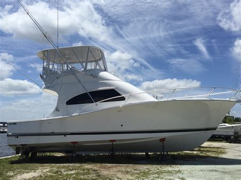 Luhrs Boats by Used Luhrs 41 Convertible Yachts For Sale