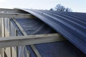 Tole Bac Acier Isolante : tole bac acier toiture couvrir toit cabane jardin guehenno online ~ Melissatoandfro.com Idées de Décoration