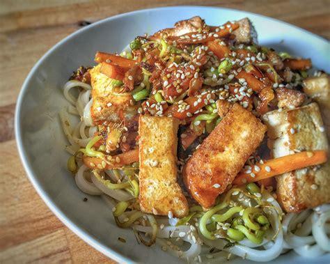 comment cuisiner les germes de soja frais tagliatelles de riz sautées aux légumes et tofu 1 2 3