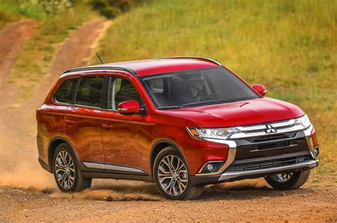 The mitsubishi outlander is a crossover suv manufactured by japanese automaker mitsubishi motors. 2016 Mitsubishi Outlander Reviews and Rating   Motor Trend