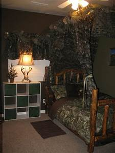 The funky letter boutique how to decorate a boys room in for Hunting themed room for boys
