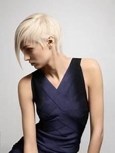 Coiffure Blonde Courte : coupe courte platine ~ Melissatoandfro.com Idées de Décoration