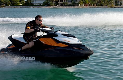 Sea Doo Boat Msrp by 2002 Sea Doo Rx Go4carz
