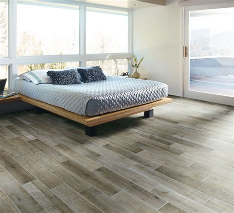 Tile Flooring Ideas For Bedrooms by Bedroom Modern Bedroom Interior Decor With Hardwood Tile
