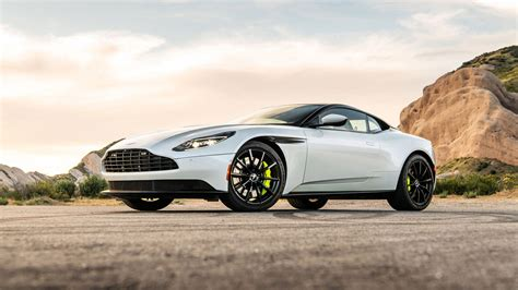2018 Aston Martin DB11 AMR Wallpapers | VirusCars