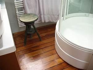 17 idees pour mes futures salles de bain on pinterest With parquet salle de bain blanc