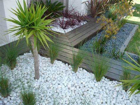 Pebble Stones Modern Setting by White Pebble For Garden Decoration Garden Ideas