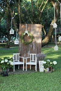 Decor Photobooth Mariage : 25 best ideas about rustic photo booth on pinterest country wedding decorations outside ~ Melissatoandfro.com Idées de Décoration