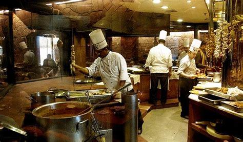 delhi cuisine live king size at itc maurya sheraton delhinew