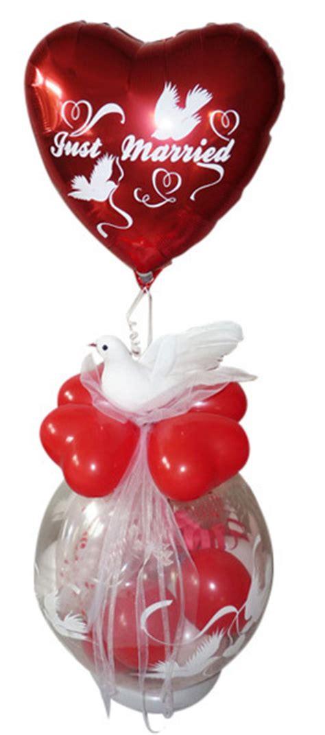 geschenk im ballon hochzeit rot taube geldgeschenk im