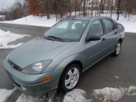 buy   ford focus zts sedan  door  manual