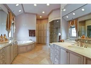 Big beautiful bathroom beautiful bathrooms pinterest for Big beautiful bathrooms