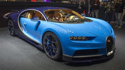 Bugatti Chiron Hp by Bugatti Chiron Blasts Into Geneva With Nearly 1 500 Hp