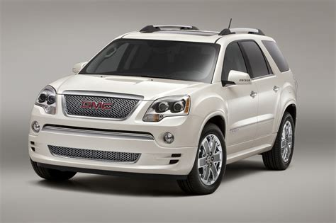 gmc acadia denali heading  dealerships carguideblog