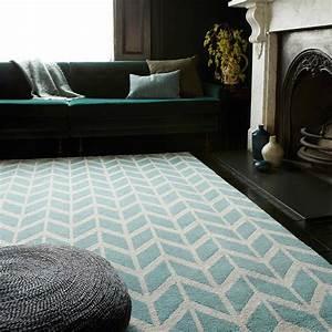 tapis art deco bleu et blanc a motifs geometriques With tapis design et originaux