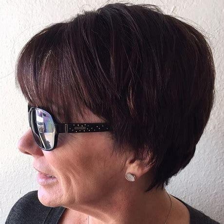coiffure coupe courte femme  ans