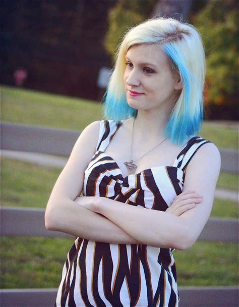 Skinny White Teen Amateur