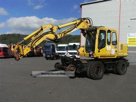 atlas zw   db decrease track excavator  mobile digger construction equipment photo