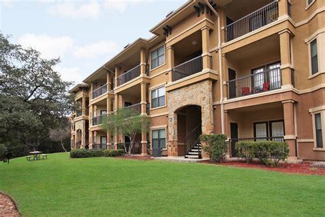 The Montecristo Apartments In San Antonio, Tx In San