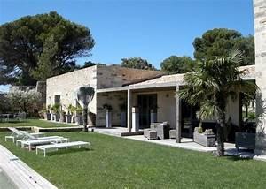 maison moderne avec piscine a debordement With entree de maison design 8 maison contemporaine avec piscine interieure apla