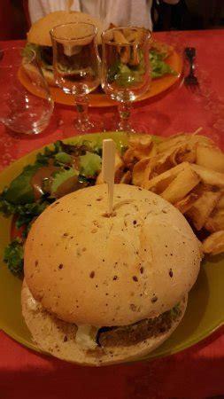 restaurant au gai soleil du mont aiguille dans chichilianne avec cuisine autres cuisines