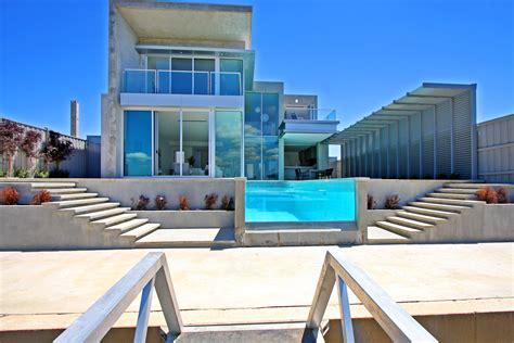 Awesome Beautiful Modern Glass House #2273