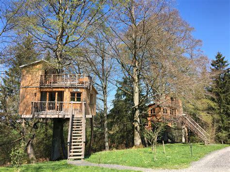 Baum Haus Hotel by Gefahren Beim 220 Bernachten Im Baumhaus Im Allg 228 U