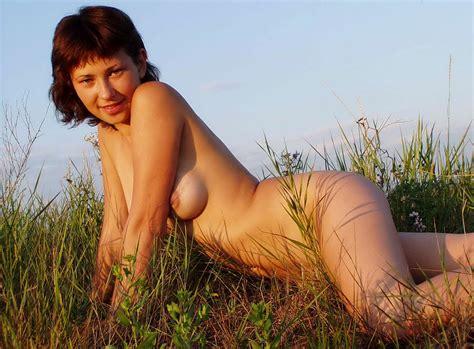 Nice Short Haired Girl With Very Lovely Boobs Posing Naked