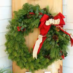 burlap ribbon bow how to make a traditional christmas wreath fynes designs