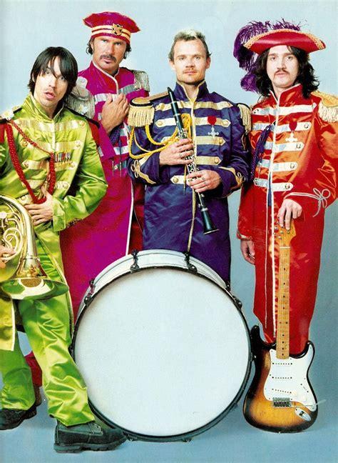 Red Hot Chili Peppers Sus Trajes Parecen A Los De The