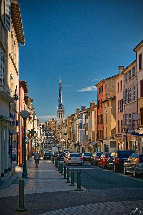 au bureau villefranche sur saone la rue nationale a photo from rhone alpes south trekearth