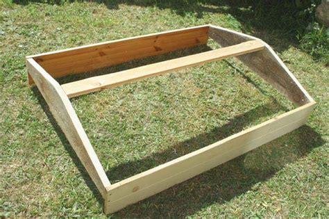 comment faire de la cuisine fabriquer une serre à semis avec des fenêtres de récup esprit cabane idees creatives et