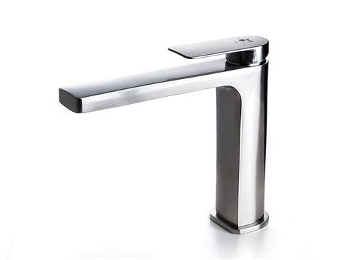 Hérault Single Handle Bathroom Sink Faucet