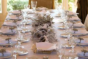 Pretty and inexpensive Christmas centrepieces