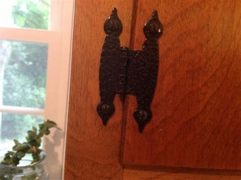 replacing  style flush hinges   cabinets  matching knobs