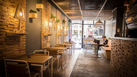 Our coffee shop example layout provides an idea of the common types of catering equipment used both front of house and back of house in this type of establishment. Beanberry | Coffee Shop Interior | Coffee Counter Design