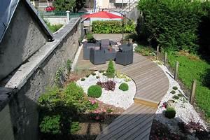 Aménager Une Terrasse : une terrasse en bout de jardin un sentier terrasse dans ~ Melissatoandfro.com Idées de Décoration